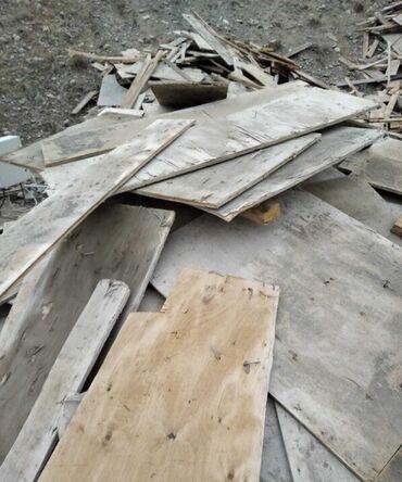 Taxta tavanlar qiymeti - Azərbaycan: İşlənmiş taxta çornu polluq,5×10 taxtalar 1,5m-2metrlik,diklər satılır