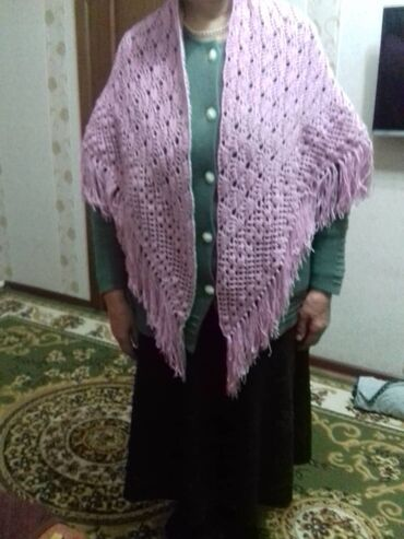 шаль вязанный в Кыргызстан: Шаль Размеры 1,30х1,30 Ручная работа Можно на заказ Подарок  Шарф Плат