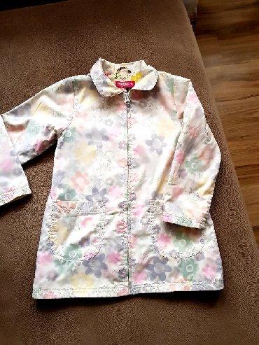 Dečije jakne i kaputi | Negotin: Prelepa prolecna jaknica za curice vel.116,bele boje ali se naziru