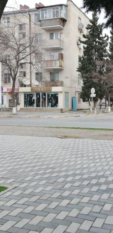 qaxda torpaq satılır - Azərbaycan: Sumqayit 1 ci mkr,bazara yaxin,gedis-gelisli yolda yerlesen obyekt