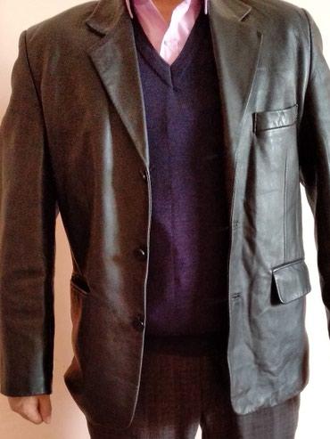 Кожаный пиджак в отличном состоянии в Ош