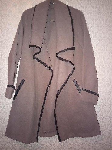 taxta manej - Azərbaycan: Palto.Materiali bahali kawmirdir.Turkiyenindir.40razmerdir.Dizin