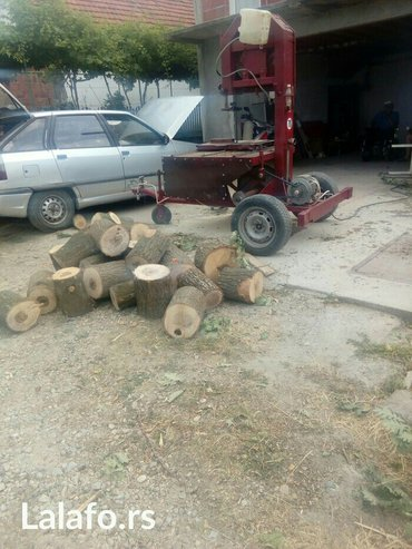 Cepaci za drva - Srbija: Vrsim usluzno secenje i cepanje drva bansekom,   Samo secenje 200din