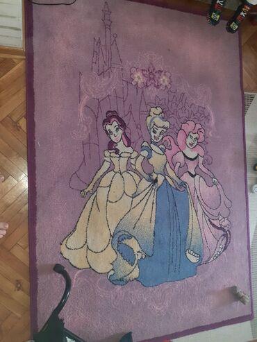 Deciji Disney princesses tepih, 190x 130, kao nov, bez ostecenja i