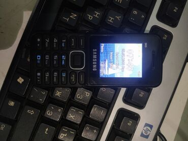 nokia 5 в Азербайджан: Nokia sade kitay  Tam islekdir adaptoru var