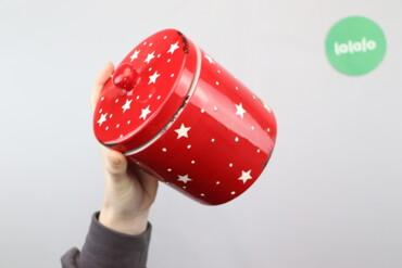 Дом и сад - Украина: Червона металева банка з кришкою для зберігання продуктів    Висота: 1
