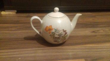Обьемный чайник. цвет белый. стекло в Бишкек