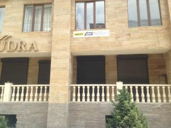 Офис ул.Киевкая/Уметалиева Офис находится в проходимом месте рядом н