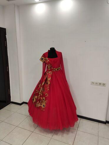 женское платье размер м в Кыргызстан: Продаю женское платьеАбсолютно новоеРазмер примерно МЦена 2500Писать