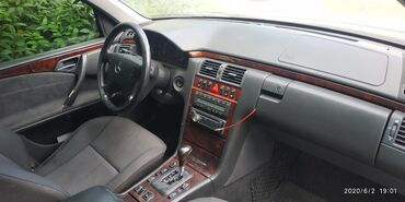 Mercedes-Benz E 200 2001 | 219000 км