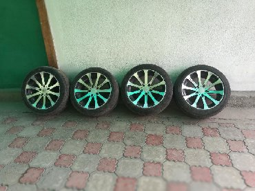 б у резина летняя в Кыргызстан: Продаю диски R 18 windrag разноширокие зад 9jj перед 8,5jj вместе с