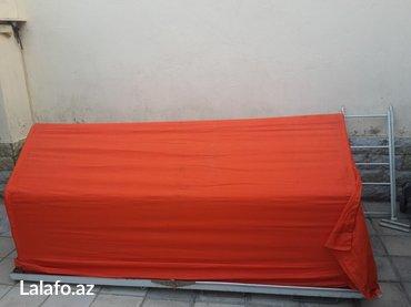 Xırdalan şəhərində Maşın üstü baqaj və istirahət palatkası.
