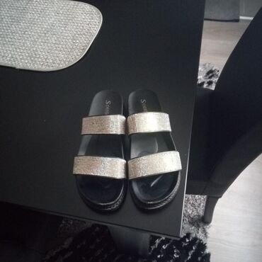 Papuče sa cirkonima.39 br