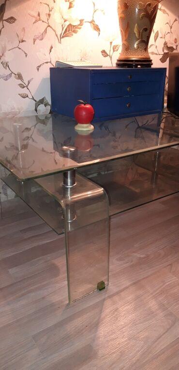 Продам столик стеклянный!!Состояние хорошее сколов трещин