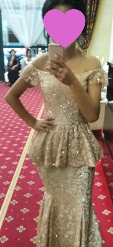 Продаю! Золотистое платье (русалка) размер 42-44одевала всего один