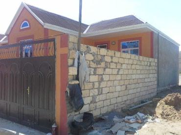 Xırdalan şəhərində Masazi es/yoldan 100merte 3ot kupcali qosadasla tikilmis ev satilir .