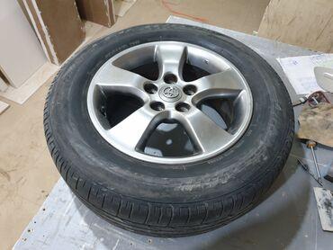 купить диски на тойоту в Кыргызстан: Продаю диски комплект на Тойоту Эстиму с резиной. Bridgestone dueler