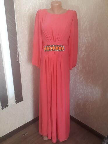 вечернее платье 44 размер в Кыргызстан: Платье кораллового цвета.Материал шифон. Размер 44-46. Состояние