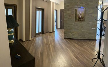 Продается квартира: 4 комнаты, 169 кв. м