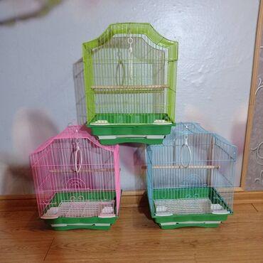 Клетки для птиц новыев комплекте две кормушки, жёрдочка, кольцо