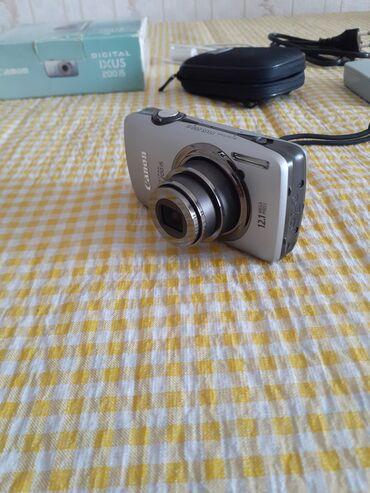 Canon fotoaparat cox az ishlenib ideal veziyetdedi hec bir cizigi