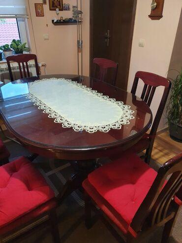 Frizerska stolica - Beograd: Ocuvani sto i stolice.Komplet stolice i sto koji su veoma ocuvani.Uz