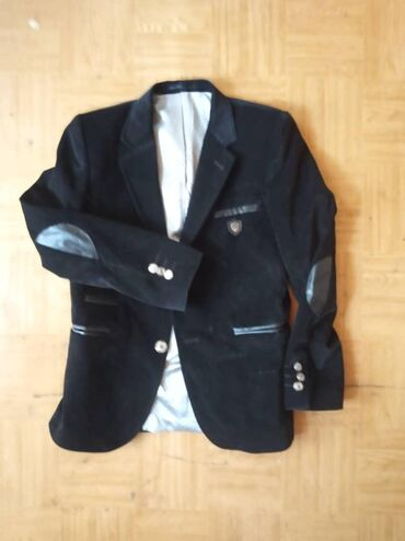 Пиджак турецкий велюр,для мальчика. кожанные подлокотники