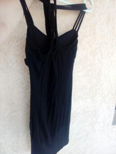 Kratka crna haljina bez ikakvih oštećenja ima elastina - Krusevac - slika 4