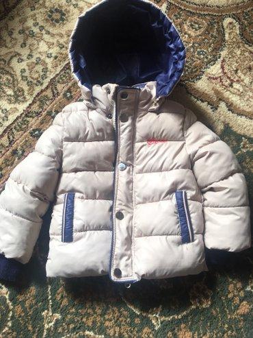 Продаю куртку деми на мальчика на 1 годик, кроссовки 22 размер в Бишкек
