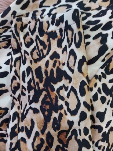 Tricetvrt pantalone - Srbija: Extra pantalone, animal print, poreklo Turska, povuceno iz butika, 36
