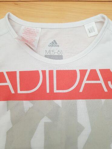 Majica adidas nova - Srbija: ADIDAS - original majica za devojcice, vel 5/6, kao nova. Imam puno