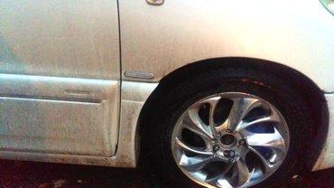 Срочно Тойота Эстима 2002г.в., 2,4лт., белый жемчуг, гибрид, на в Бишкек