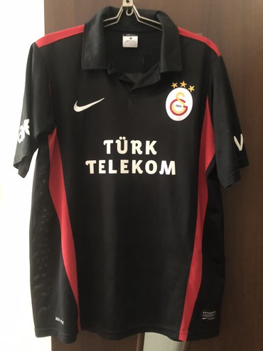 Galatasaray - Azərbaycan: Galatasaray forma kofta orijinaldir 100 % . Turkiyede alinib razmer M