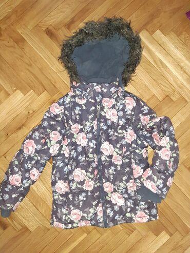 Ruska kapa - Srbija: Prelepa zimska jakna u dobrom stanju.Vel.122.Sirina u ramenima