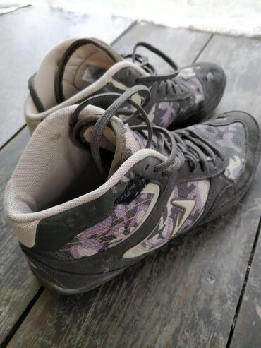 nike-air-force-бишкек в Кыргызстан: Продаю кроссовки Demix оригинал Б/у. Носили мало и аккуратно. Состояни