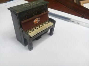 Bakı şəhərində Piano balaca suvenir demirden