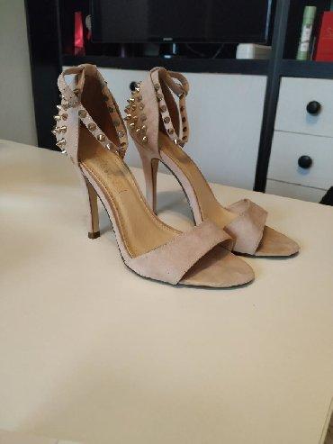 Ženska obuća | Plandište: Sandale kupljene u Parizu, obuvene svega par puta. Visina štikle je
