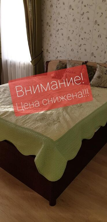 спальные кровати с матрасами в Кыргызстан: Спальный гарнитур из 5 предметов ( большая кровать, шифонер, комод, 2