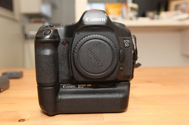Срочно Продаю фотоаппарат Canon 5d Body в Душанбе