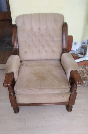 Nameštaj - Novi Sad: Prodajem kompletno fotelju, dvosed i trosed .Stanje ko sa slika za