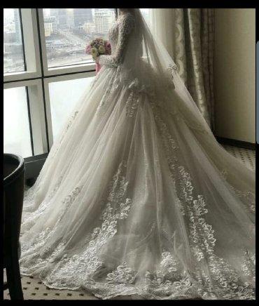 Свадебные платья и аксессуары - Бишкек: Продаю или сдаю на прокат шикарное свадебное платье !Одевала один раз