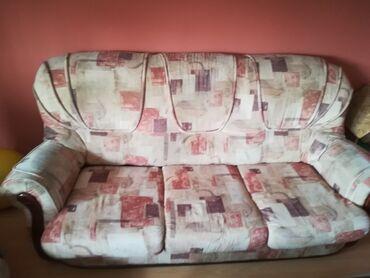 Garniture - Srbija: Trosed, dvosed i fotelja Simpo u dobrom stanju. Trosed se razvlači