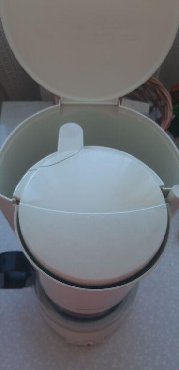кофемашина паулиг в Кыргызстан: Капельная кофеварка Siemens. Внутри на корпусе незначительная трещина