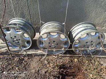 диска мерседес в Кыргызстан: Диски на Мерседес w140 r16 цена 2000 сом 1 шт можно и по штучно. торг