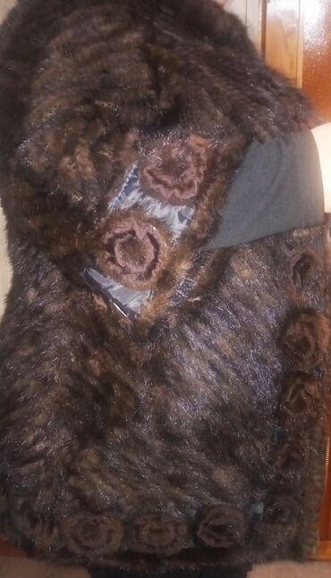 Куртки - Кыргызстан: Продается куртка, вязаная норка на замке. Состояние хорошее, размер