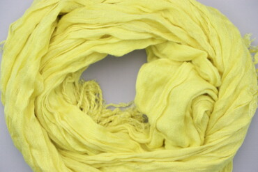 Жіночий шарф з бахромою    Стан: дуже гарний