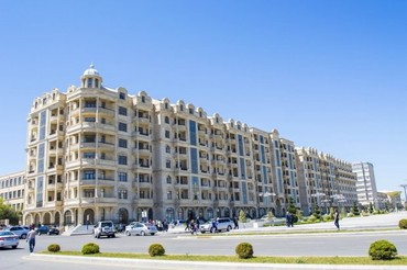 Muhafize isi teklif edilir,yas heddi 18-55 yas,minimum boy 1,70 ,emek в Баку