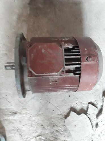 бензопила мотор сич в Азербайджан: 4 квт 2850 оборот 3фаза Новый мотор не использовано. Goranboy