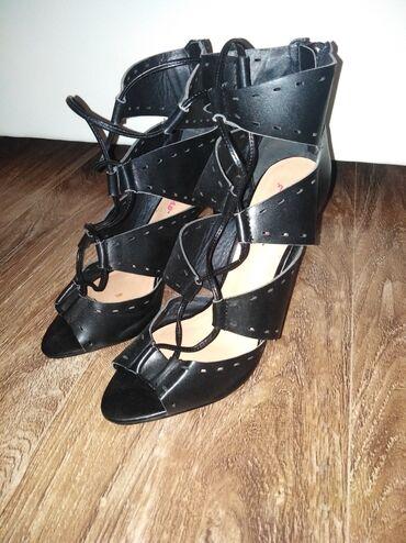 Dzemper na kopcanje - Backa Topola: Sandale na pertlanje, jednom nosene