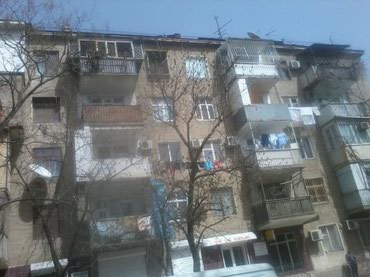 Bakı şəhərində N . Nərimanov metrosunun yaxınlığında 4 - otaqlı daş ev 5 / 3 -